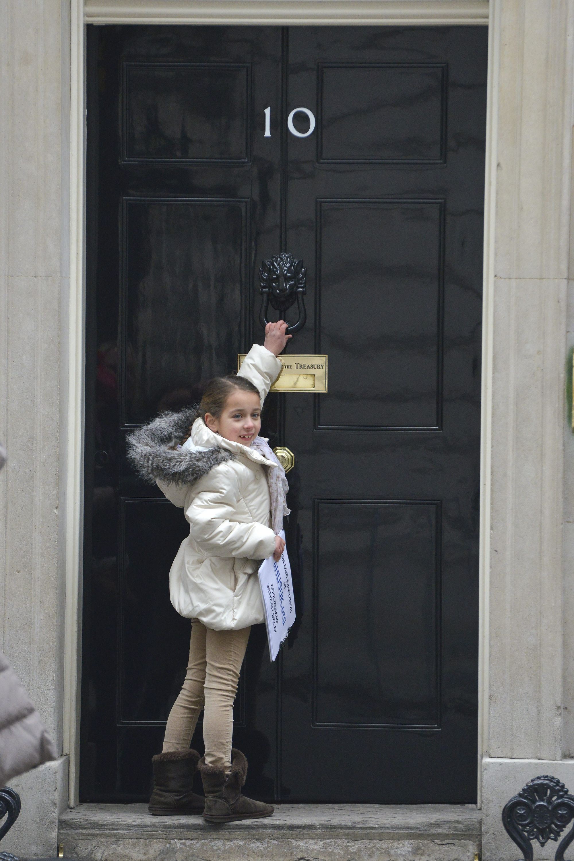 Maya knocks on door  sc 1 st  aHUS UK & MAYA KNOCKS ON DOOR 10 DOWNING ST : THE aHUS PETITIONERS | aHUS UK